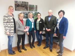 Von links: Vera Butterweck-Kruse, Heide Heyen-Strehlau, Monika Telgen und Kathrin Evers (beide Mitarbeiterinnen Fa. Butterweck) Hartmut Strehlau, Angela Hebbelmann